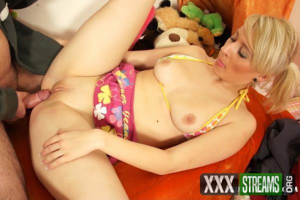 Sara K - Slutty Teen Sucking Cock Till He Cums (2018/ClubSevenTeen.com/SD)