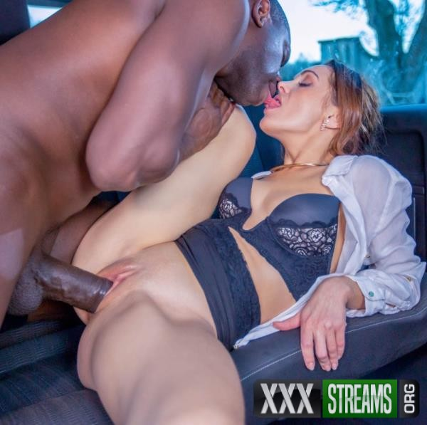 Dominica Phoenix - Takes interracial anal without leaving the taxi (Private.com/2017/FullHD)