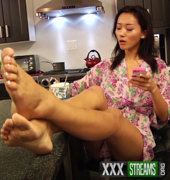 Alina Li Asian