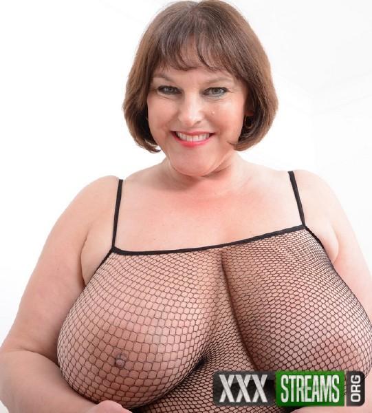 Carol brown huge tits milf