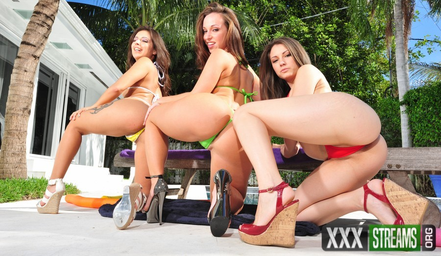 Jada Stevens, Jinx Maze, Miss Rican – Three Huge Asses Gone Crazy (AssParade.com/BangBros.com)
