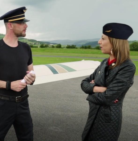 Sonia – Pilotage et deboitage pour Sonia (2018/JacquieEtMichelTV.net/FullHD)