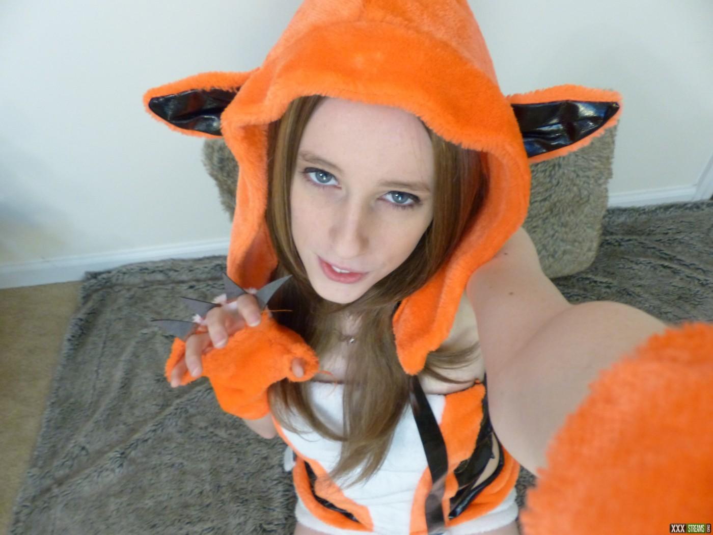 FoxyGamer_cb_14388349700007ed337d0c4cc638e.jpg