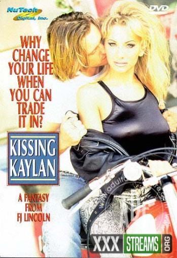 Kissing-Kaylan-128c54b04e6e73cd8.jpg