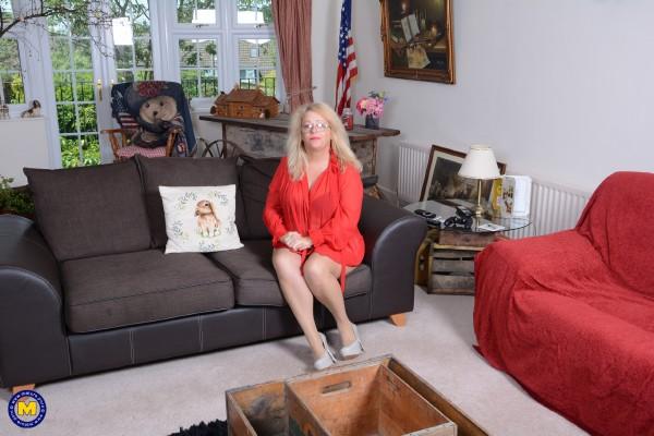 Ann EU 49 - British temptress Ann fooling around (2018/Mature.nl/FullHD)