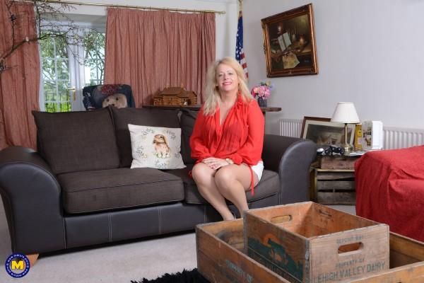 Ann EU 49 - British temptress Ann fooling around (2018/Mature.nl/SD)