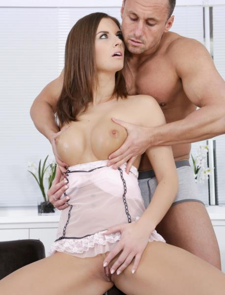 Jenifer Jane – Titty Loving! (2018/DogHouseDigital.com/SD)