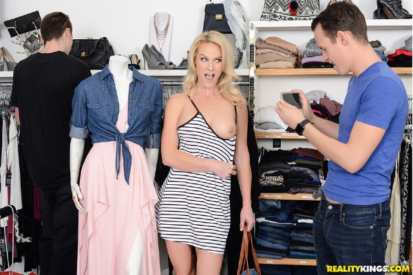 Sydney Hail – Shopping With Bae (2018/SneakySex.com/RealityKings.com/SD)