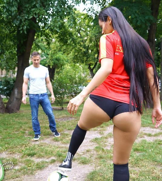 Andreina Deluxe – World Cup Runneth Over With Cum (OyeLoca.com/TeamSkeet.com/2018/FullHD)