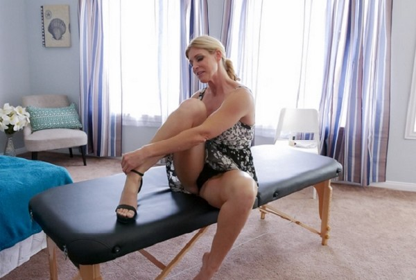 India Summer – Soapy Stepmother Sex (2018/PervMom.com/FullHD)