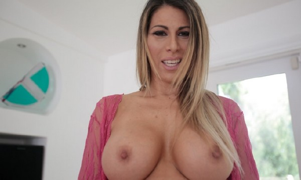 Makayla Cox – Using My Pervy Stepson (2018/PervMom.com/SD)
