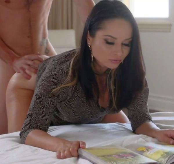 Crystal Rush – Stepmom Soothes My Erection (FamilyStrokes.com/2018/HD)