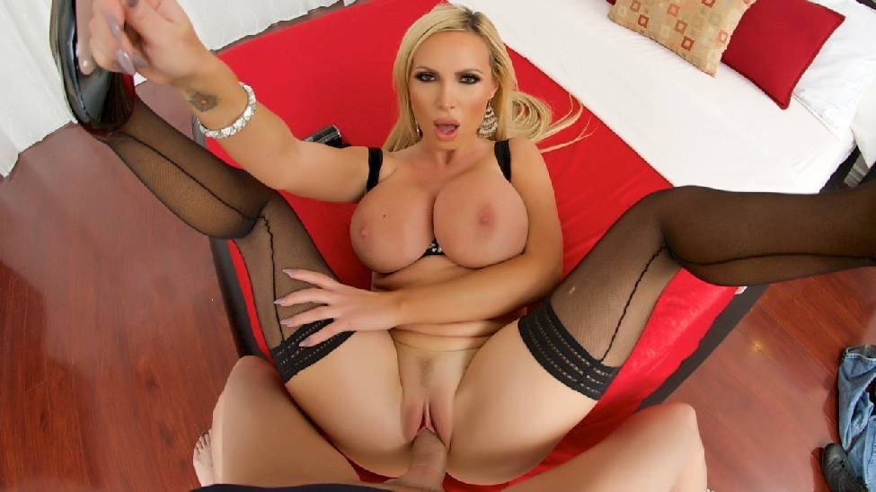 Nikki Benz – Awesome Fan (PornGoesPRO.com/Spizoo.com)