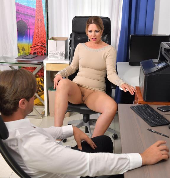 Nikky Dream – Cock Sucking At Work (OnlyBlowJob.com/DDFNetwork.com/2018/HD)