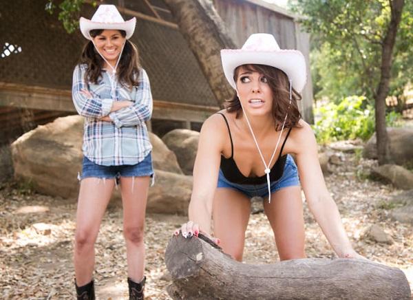Shyla Jennings, Adriana Chechik – Cowgirls (2018/GirlsWay.com/FullHD)