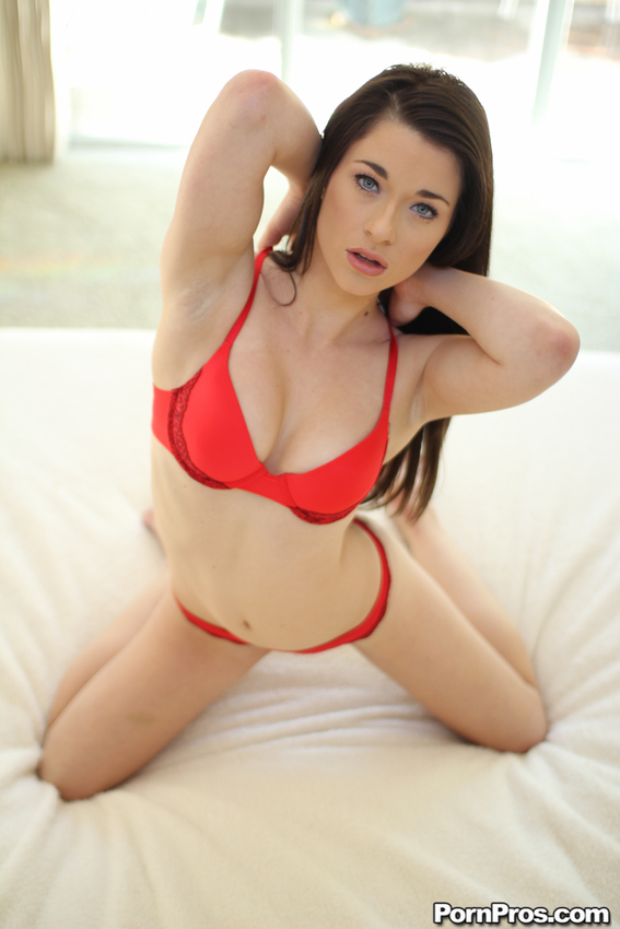 Lacey Channing – Sweet Lust (18YearsOld.com/PornPros.com)