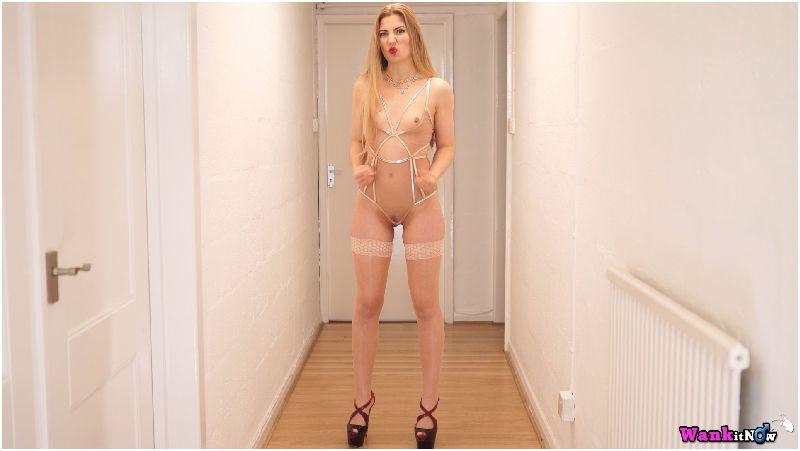 Stephanie Carter - 3 Minute Wank Challenge