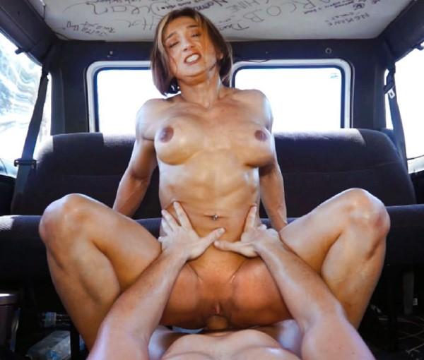 Karyn Bayres – Muscle Van (2018/FuckinVan.com/CumLouder.com/FullHD)