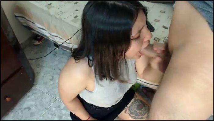 Amateur plump BBW gets anal fucks with facial on webcam