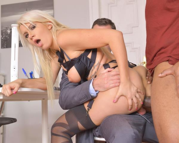 Layla Price – DPed Detective Layla Price Screams And Creams While Black Cock Fucks Her Ass GP136 (2018/LegalPorno.com/HD)