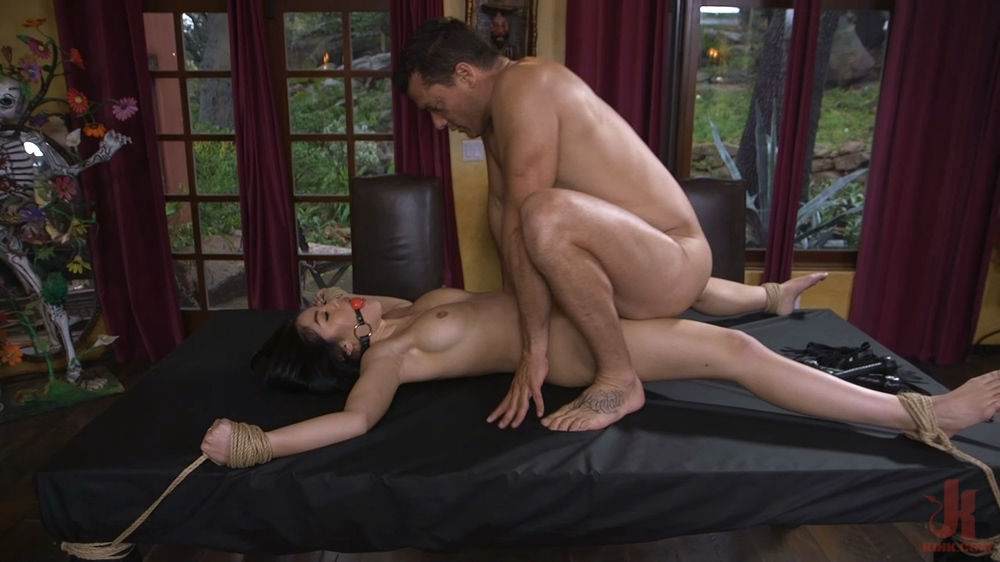 Kendra Spade - The Witness (SexAndSubmission.com/Kink.com/2018)