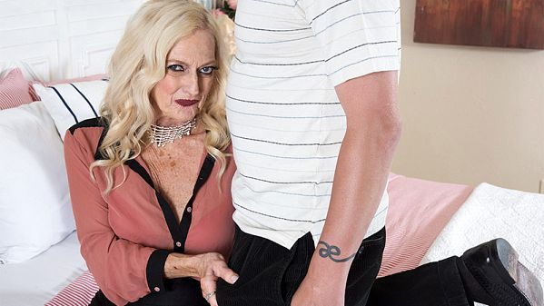 Layla Rose  –  Well, heres one way to sell a house (2018/60PlusMilfs.com/PornMegaLoad.com/FullHD)