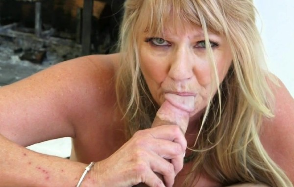 Mia Magnusson – Mia Magnussons hands-on sex lesson (2018/PornMegaLoad.com/60PlusMilfs.com/HD)