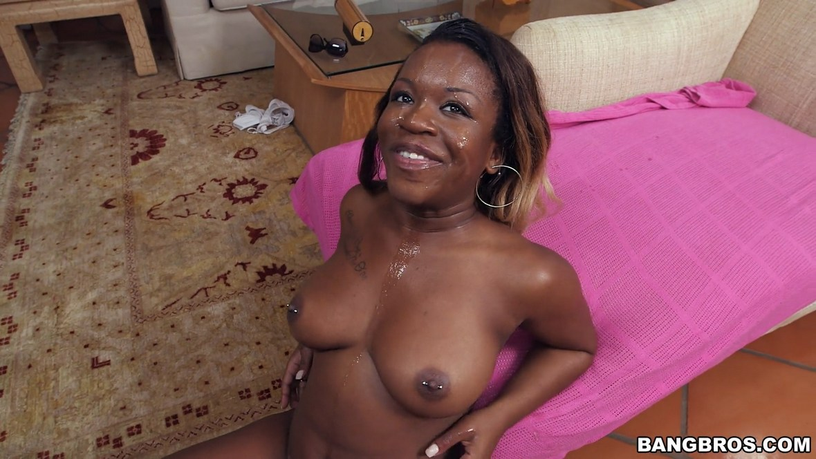 Harmonie Marquise – Big Black Ass Meets Big White Dick (BangBros.com/BrownBunnies.com)