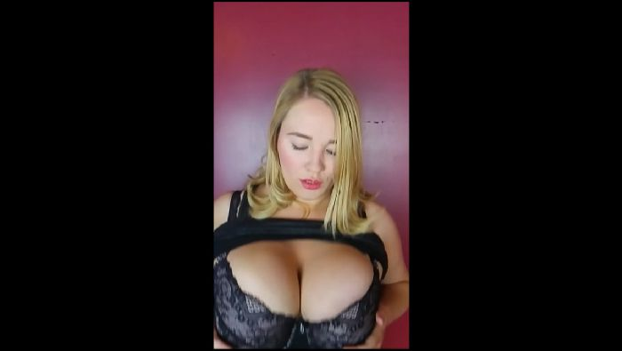 AnnabelleRogers Slo-mo-of-huge-G-size-cup-boobs-bouncing Preview