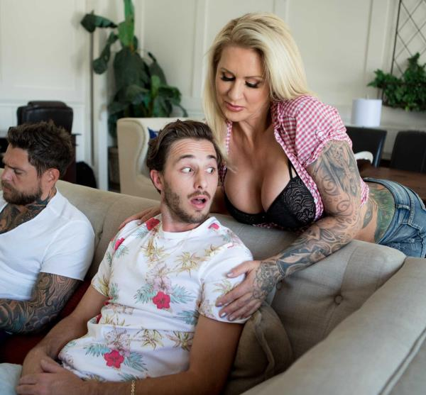 Ryan Conner – Horny For That Hot Dick (MommyGotBoobs.com/Brazzers.com/2018/FullHD)