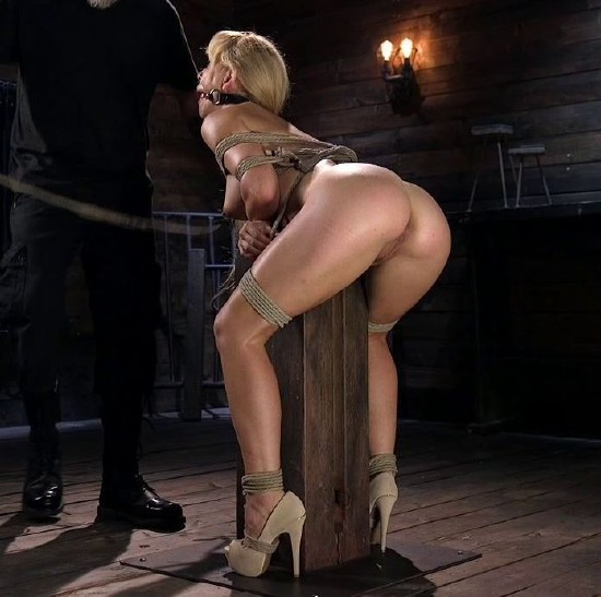 Cherie Deville - Buff MILF Cherie Deville Submits to Rope Bondage and Unwilling Orgasms (2017/HogTied/Kink/HD)