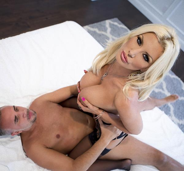 Brittany Andrews – Cum To My Window (RealWifeStories.com/Brazzers.com/2018/SD)