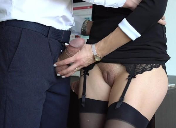 Veronika Charm – Sexy Secretary in Stockings makes Boss Cum on her Dress in Office (2018/PornHub.con/PornHubPremium.com/FullHD)