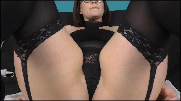 Jayne Cobb Be A Good Boy And Make Mommy Squirt (manyvids.com)