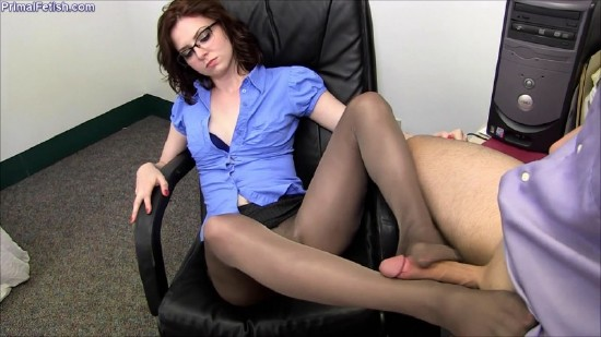 Emma OHara – The New Boss – Pantyhose Domination (2018/PrimalFetish/Clips4Sale/HD)