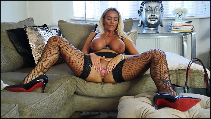 Lucy Zara Pay The Fine or Get Fucked (manyvids.com)