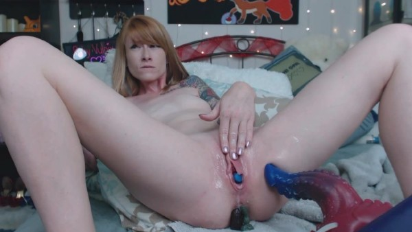 Ruby Vulpix – Fill My Pussy with Baby Dragons (2018/ManyVids.com/HD)