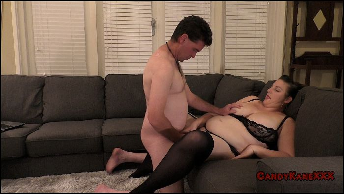 Candy Bangs Getting freaky on the furniture (manyvids.com)