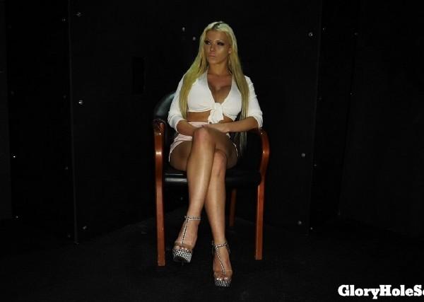 Barbie Sins – Barbies First Gloryhole (2018/GloryHoleSecrets.com/FullHD)