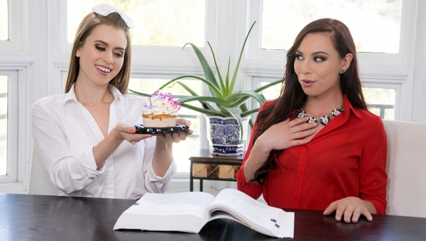 Aidra Fox, Jill Kassidy – Too Hot for Teacher: Birthday Surprise (2018/GirlsWay.com/FullHD)