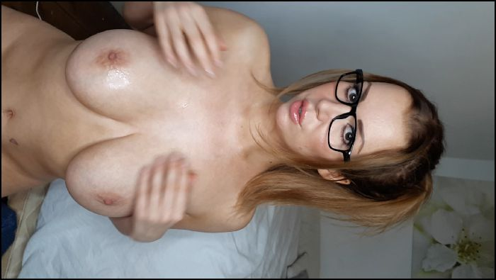 Lucyalexandra1 – Covered in cum, shiny tits count down (manyvids.com)