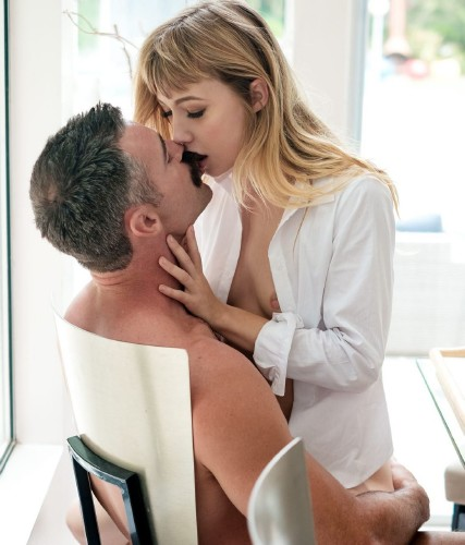 Ivy Wolfe – How Much Do you Love Me? (2018/EroticaX/HD1080p)
