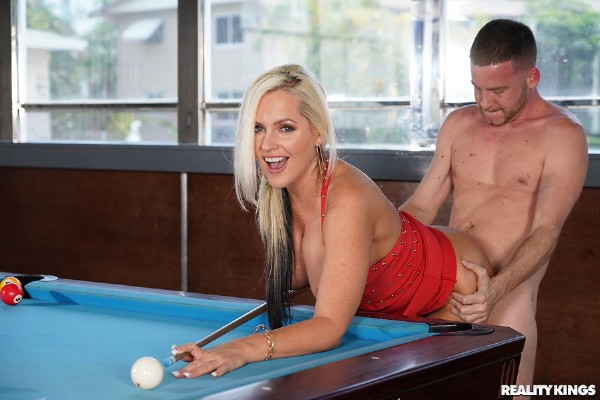 Alena Croft – Pool Hall Milf (2018/MilfHunter.com/RealityKings.com/SD)