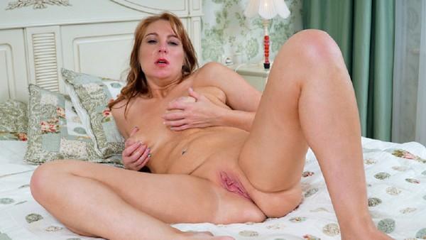 Marta – Feeling Sexy (2018/Scoreland.com/Pornmegaload.com/FullHD)