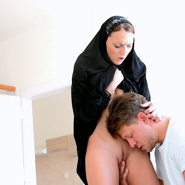 Katy Rose – Czech Muslim Katy Rose is looking for housing for her family (2018/SexWithMuslims.com/PornCZ.com/HD)