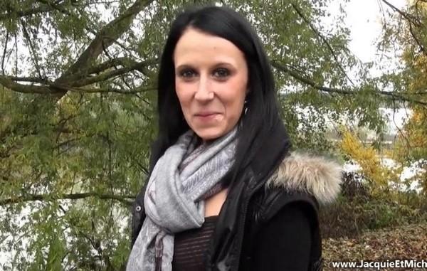 Olivia – Olivia, 20ans, de Rouen (JacquieEtMichelTV.net)