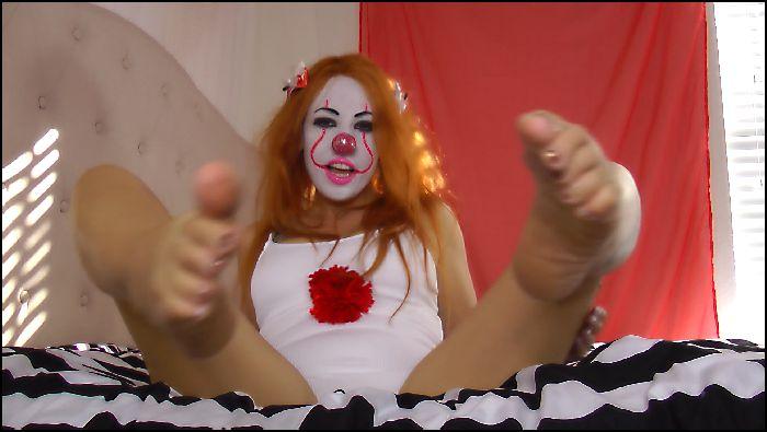 kitzi klown glorious bare clown feet 2018 11 04 buDmcJ Preview