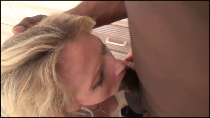 BBCStudinFL Sexy White Milf Loves To Suck BBC (manyvids.com)