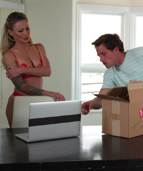 Isabelle Deltore – Stepson Surprise! (NuruMassage.com/FantasyMassage.com/2018/HD)