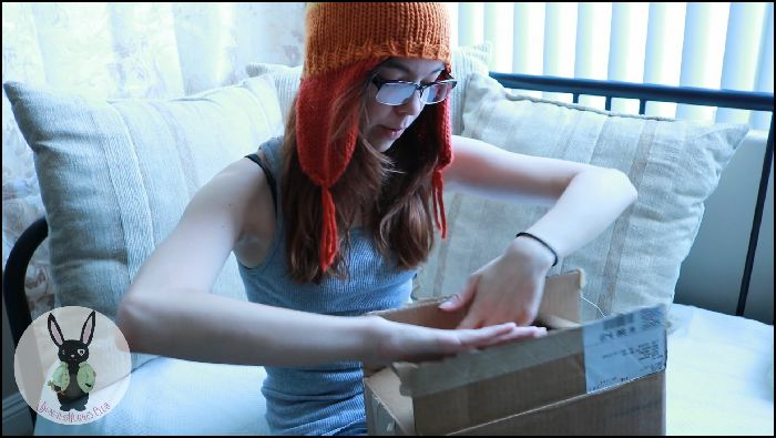 Bunnie Hughes BAD DRAGON UNBOXING TYSON Preview